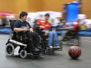 Seray Nazimov testet Rollstuhl