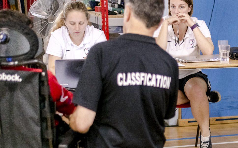 Beratungen bei Klassifizierung / Foto: Sergiu Borcuta