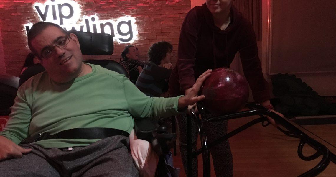 Bowling in ocean park in der Millennium City